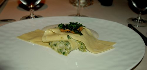 Crab_ravioli_with_meyer_lemon_sauce